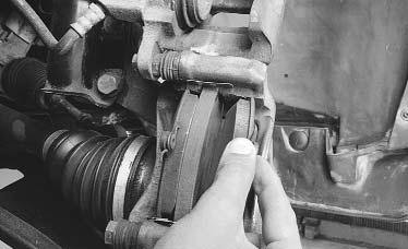 Ремонт Renault Logan : Замена тормозных колодок тормозного механизма переднего колеса