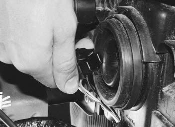 Как поменять фару на рено логан