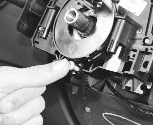 Ремонт Renault Logan : Проверка и замена подрулевых переключателей