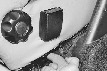Замена ремней безопасности и преднатяжителей ремней - Renault Logan / Рено Логан
