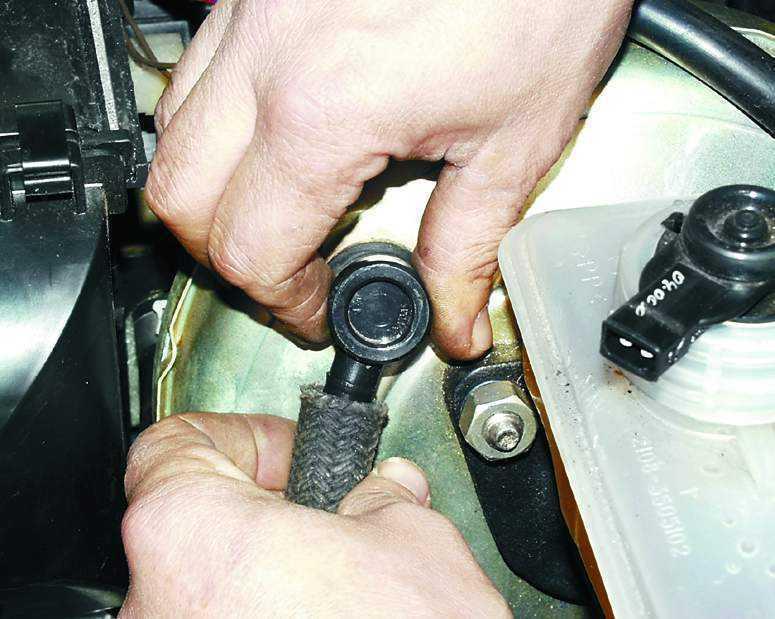 Фото №4 - ремонт вакуумного усилителя тормозов ВАЗ 2110